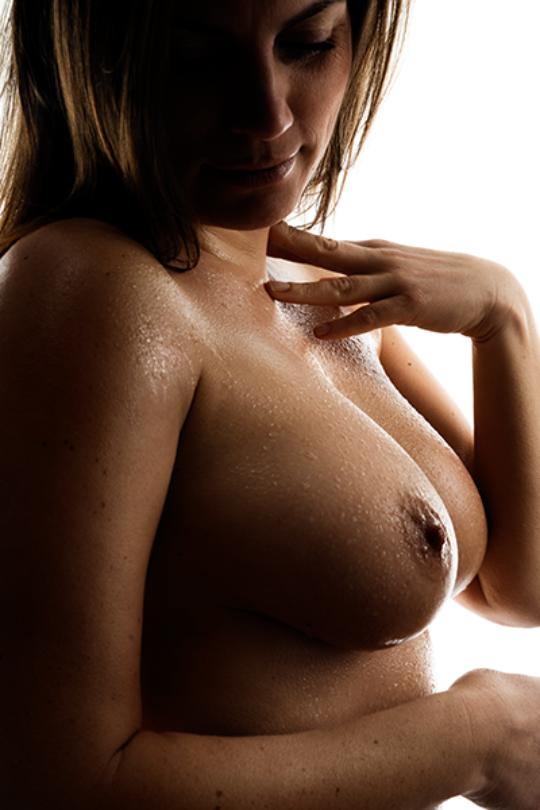 Brust mit Wassertropfen - sexy